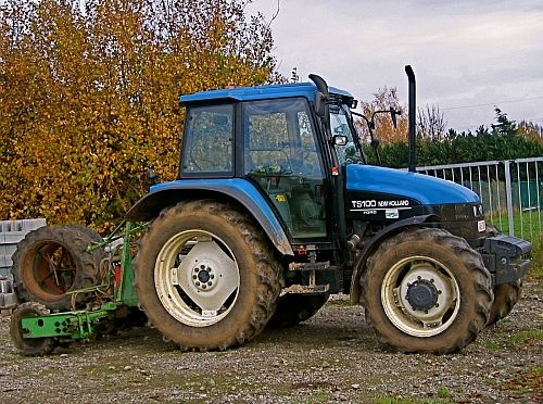 NEW-HOLLAND-TS100